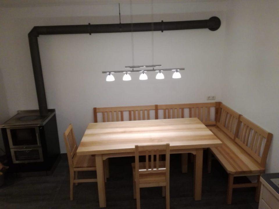 Tische, Stühle & Bänke